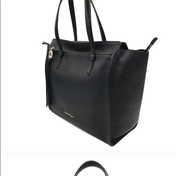 Salvatore Ferragamo Handbags - 🇺🇸👛🆕 NWT💕HP💕Salvatore Ferragamo Amy Medium!!